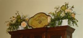 Floral arrangements, decorative tray