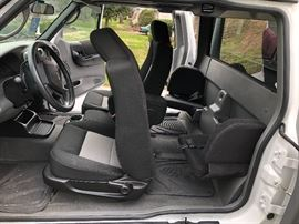 Clean interior of the 2009Ford Ranger Ford XLT