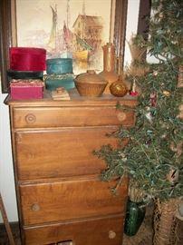 dresser & tree