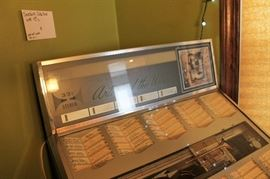 Vintage Seeburg Jukebox, as-is, non working with 45s
