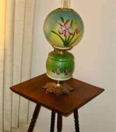 Gone With the Wind lamp and table