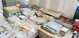 nice grouping of vintage linen
