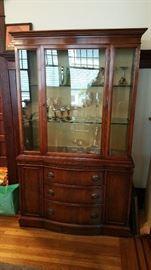 vintage mahogany china hutch - Duncan Phyfe / Hepplewhite style