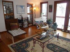 living room   / rugs