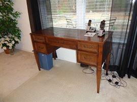 sewing machine cabinet w/singer machine