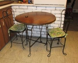 Vintage ice cream table w/ chairs