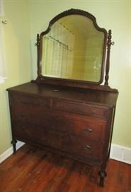 Antique bedroom set, dresser w/ mirror