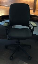 Commercial Steelcase Ergonomic Desk Chair; Live Back System Conforms to Body