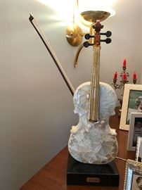 An exceptional piece of art a violin by Ety Meyer. A copy was sold in Vienna.