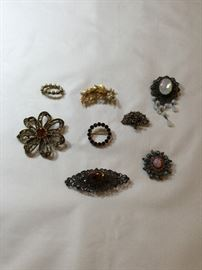 Vintage / Antique brooches