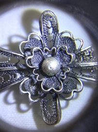 Vintage / antique silver filagree brooch.