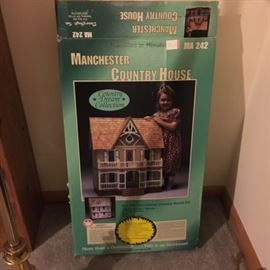Manchester Country Dollhouse