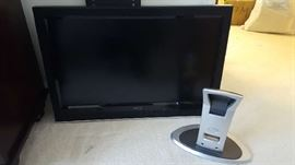 """$175   VIZIO 32"""" TV with wall mount and stand"""