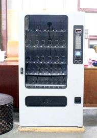 "FSI Model 3076 Electronic Programmable Snack Vending Machine, SN# 101548097076, Includes Key, Powers Up, 37.5""W x 67""H x 31""D"