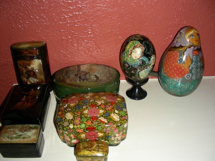 Russian and Indian lacquer items