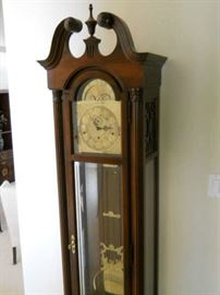 GRAND FATHER CLOCK HOWARD MUILLER 1996 very nice quality