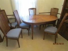 Dining room table, 6 chairs, 2 leaves