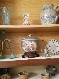 Many antiques...too many to picture!