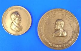 Bronze medallions of Lincoln and Grant