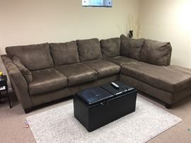 Bob's couch. Like new.