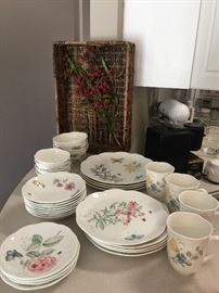"Lenox ""Butterfly Meadow"" Set"