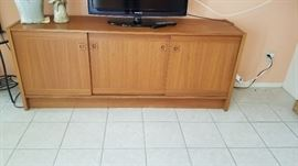 dScan matching buffet /credenza . Great for entertainment center or dining/living area
