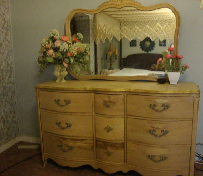 Shabby Chic Dresser with Mirror