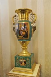 Sevres, Royal Vienna, and Limoges urns. Measurements: 2'