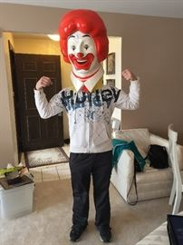 look at the condition of this Ronald Mcdonald , like new
