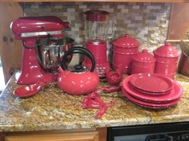 KITCHENAID MIXER , BLENDER AND RED ACCESSORIES
