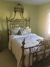 Stunning ornate brass bed