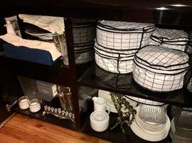 China & dinnerware & entertainment pieces