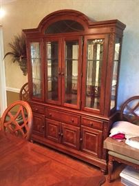 very nice China Cabinet 2pc