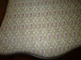 PATTERN ON CHAIR