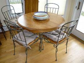 WOOD/METAL TABLE W/ 1 LEAF & 4 CHAIRS