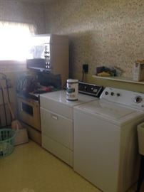 All appliances are for sale and in working order! Even the Harvest Gold double oven is in working order!