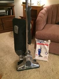 Royal vacuum and bags, excellent