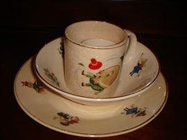 Humpty-Dumpty child's dish set