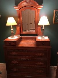 Antique dresser. 1800's