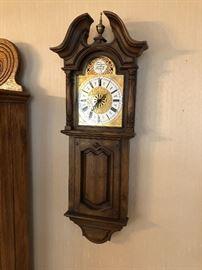 Tempest fugit wall clock