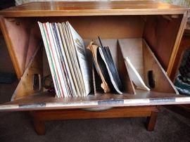 Lane Mid Century Modern Album Cabinet