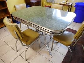Deco Kitchen Table and Chairs