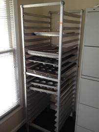 Bakers Cooking Rack 21 x 26 x 69 on wheels