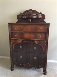 Antique Art Deco 4 drawer dresser