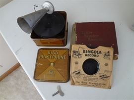 Rare! Bing Pigmyphone with records & needles.