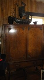 China Cabinet, matching  buffet and round table