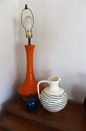 Vintage MCM ceramic orange table lamp
