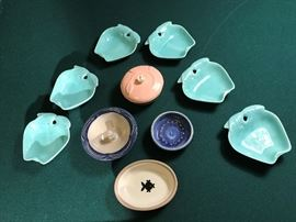 DECORATIVE COLLECTIBLES     http://www.ctonlineauctions.com/detail.asp?id=695825