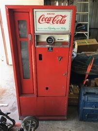 coca coke machine 25 cents