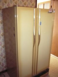Nice Working Whirlpool Side by Side Refrigerator